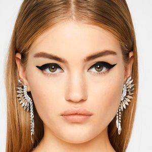 🍒3/$30 New Glam Feather Statement Earrings